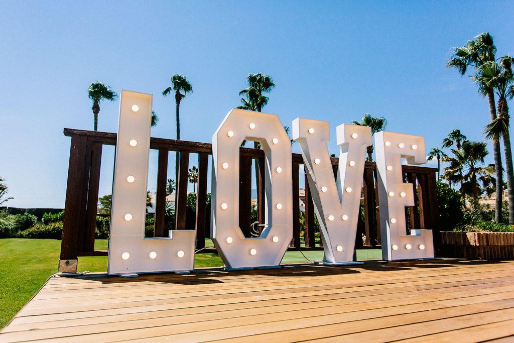 wedding love sign Fiestasol
